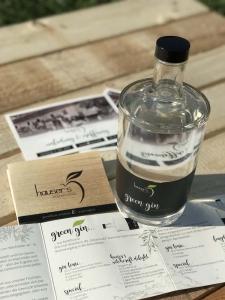 Hauser´s Hölzelmühle - Folder und Gin Etiketten